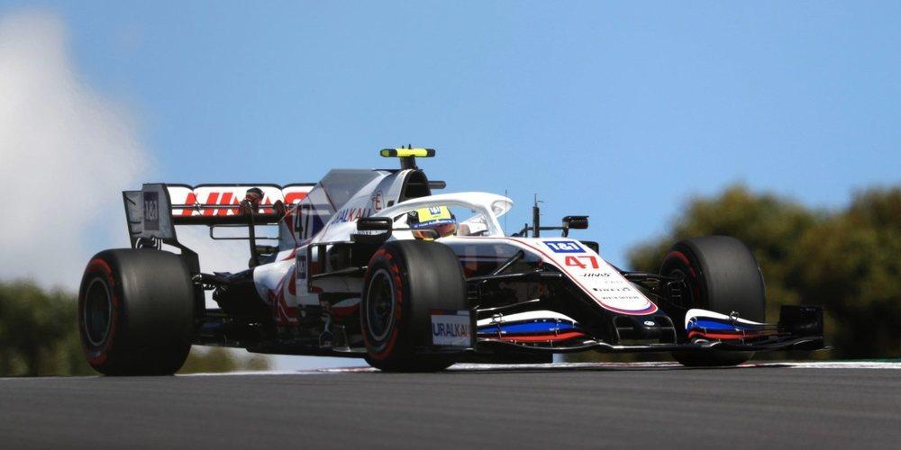 """Mick Schumacher: """"Me siento más cómodo en el coche, estoy agradecido con el equipo"""""""