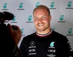 Valtteri Bottas lidera la primera sesión de Libres con Verstappen intercalado entre los Mercedes