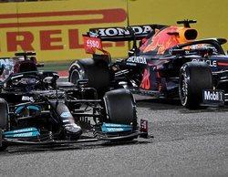 """Hamilton: """"Verstappen está pilotando realmente bien, al igual que Bottas; está muy ajustado"""""""