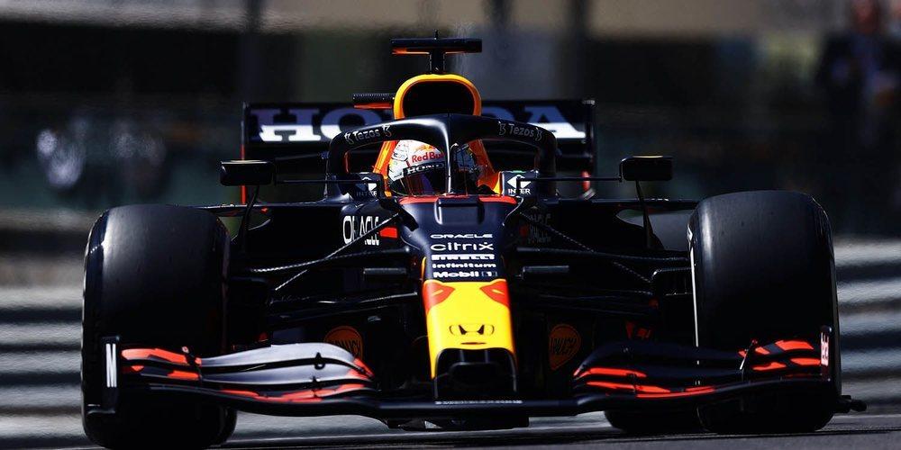 Max Verstappen es el que roza más los muros para asegurarse la primera posición en los Libres 3