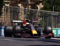 Max Verstappen marca el ritmo por delante de ambos Cavallino Rampante en los Libres 1 de Bakú