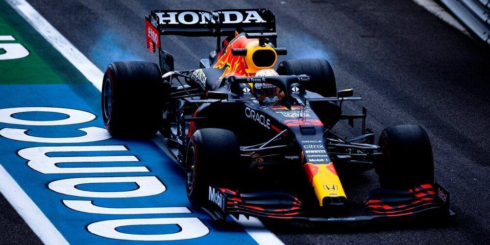Max Verstappen no se achanta y aprieta a los Mercedes con el mejor tiempo en los Libres 2