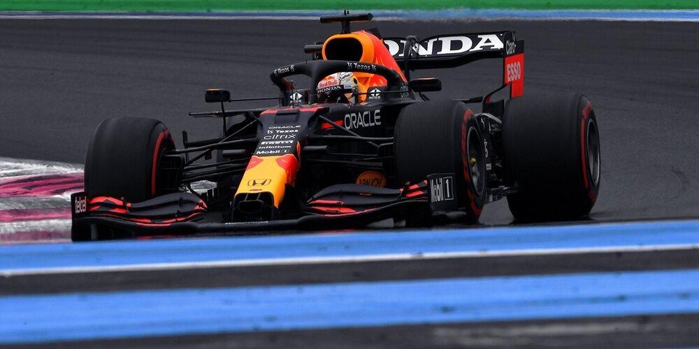 Zarpazo de Verstappen a los Mercedes tras alzarse con su segunda Pole de la temporada