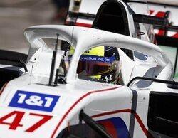 """Mick Schumacher: """"Estuvimos más cerca de los coches de delante, lo cual siempre es positivo"""""""