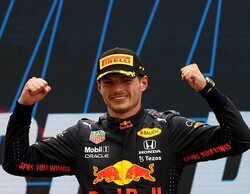 """Hamilton: """"Verstappen está manteniendo la velocidad y su coche va sobre raíles; estamos lejos"""""""