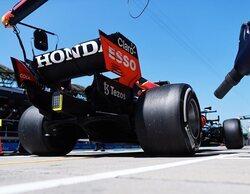 Max Verstappen golpea primero en Hungría frente a unos Mercedes al rebufo