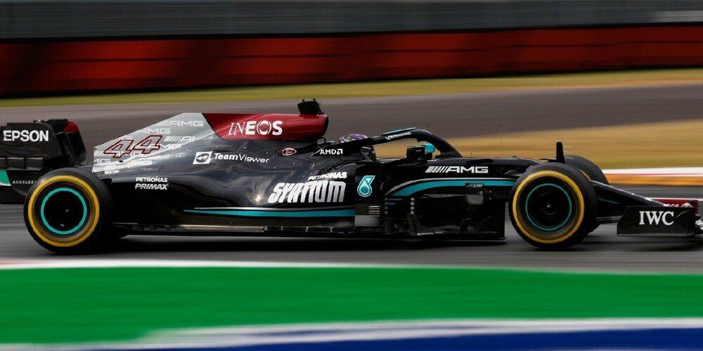 Los hombres de Mercedes lideran la segunda sesión de Libres con Hamilton al frente