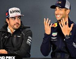 """Hill: """"Ricciardo y Alonso son algunos de los mejores adelantando y no chocan contra otros pilotos"""""""