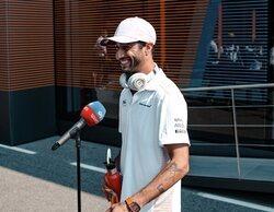 Ricciardo defiende a Verstappen tras no pararse a comprobar el estado de Hamilton por el accidente