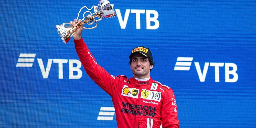"""Carlos Sainz: """"La próxima vez que un Ferrari lidere, debemos ser menos vulnerables"""""""
