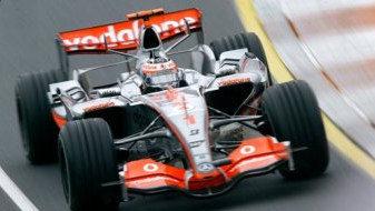 Alonso repasa el circuito de Sepang
