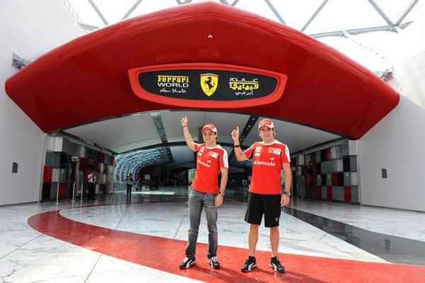 Fernando y Felipe visitan Ferrari World 001_small