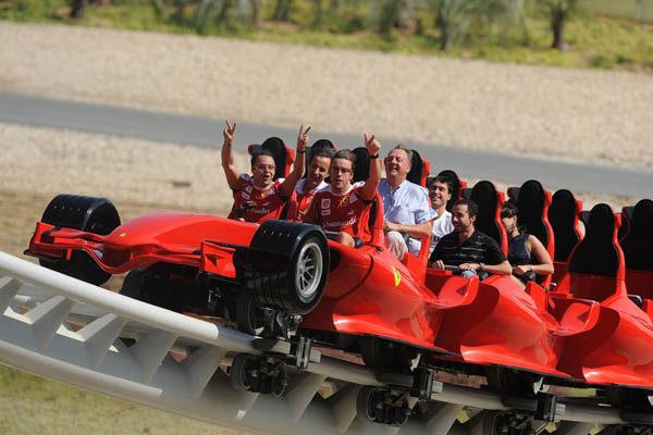 Fernando y Felipe visitan Ferrari World 005_small