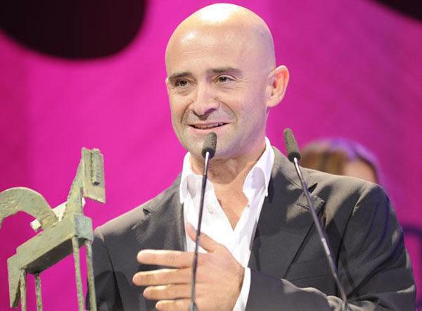 Antonio Lobato le dedica el Premio Ondas a Fernando Alonso