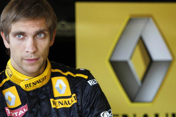 Vitaly Petrov renueva dos años más con Lotus Renault