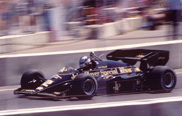 Mansell, encantado con el regreso de Lotus Renault