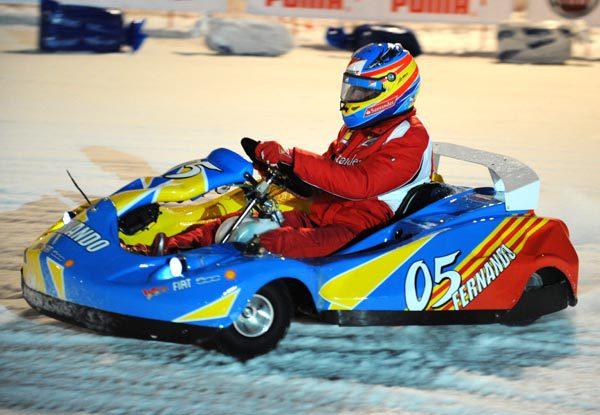 Alonso, Massa, Rossi y Hayden se divirtieron sobre el hielo