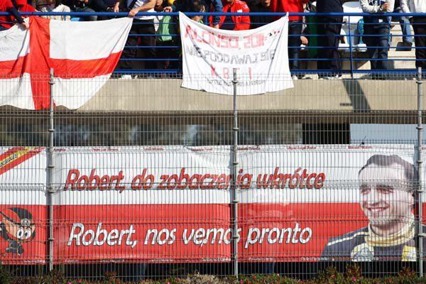 La afición española muestra su apoyo a Kubica en Jeréz 001_small