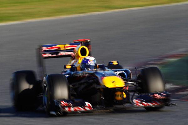 Vettel marca la pauta de nuevo en la segunda jornada en Montmeló