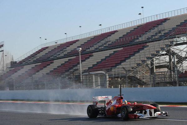 Pirelli apoya la idea de crear carreras con lluvia artificial