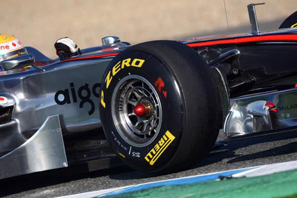 Hamilton asegura que los Pirelli hacen la F1 más lenta