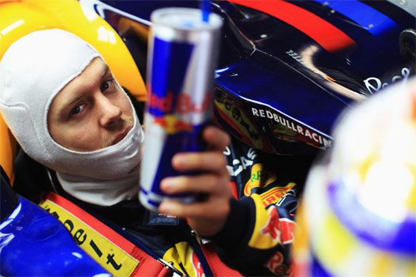 Sebastian Vettel renueva con Red Bull hasta 2014