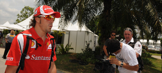 """Alonso: """"No hemos sido rápidos, y no esperamos milagros para mañana"""""""