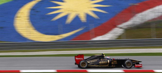 Segunda 'pole' del año para Vettel en Malasia 2011
