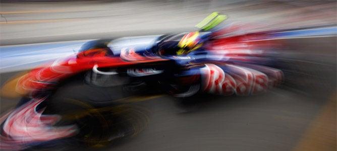 Alguersuari y Buemi luchan por el puesto de Webber de 2012