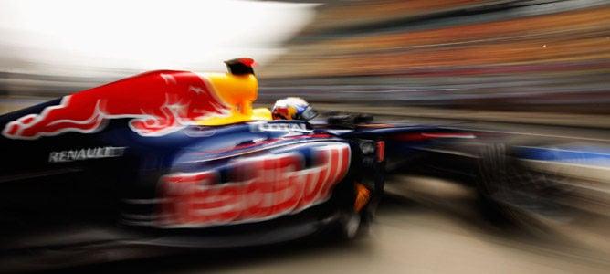 Vettel se mantiene al frente de los tiempos en la segunda sesión de China