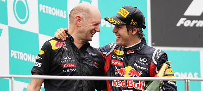 Vettel vincula su futuro en Red Bull al de Adrian Newey y otros directivos