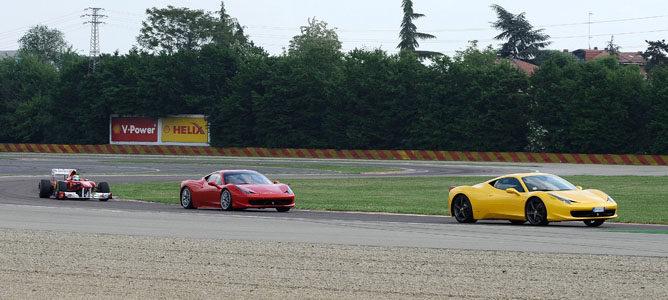 Felipe Massa rueda en Fiorano con el 150º Italia 004_small
