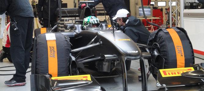 Lucas di Grassi vuelve a rodar con Pirelli 001_small