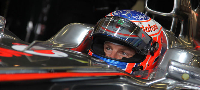 Button encabeza la segunda sesión de libres en el seco asfalto de Istanbul Park