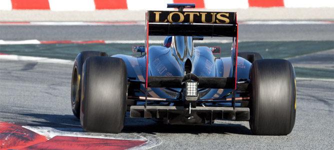 Los equipos todavía podrán usar los escapes sopladores en el GP de España 001_small