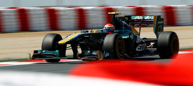 Kovalainen se mete en Q2 y supera a los dos Force India
