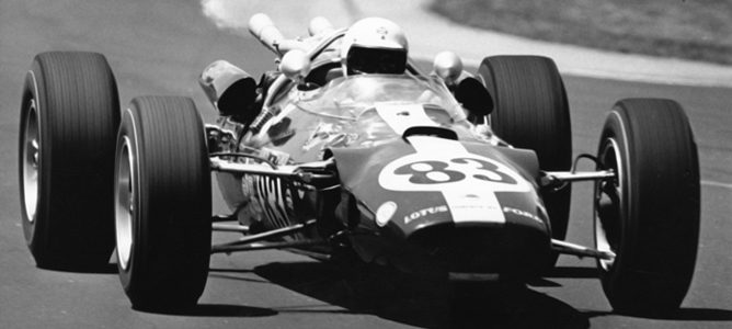 Jim Clark en las 500 Millas de 1965