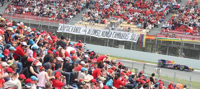 Las gradas de Montmeló repletas de aficionados en el GP de España