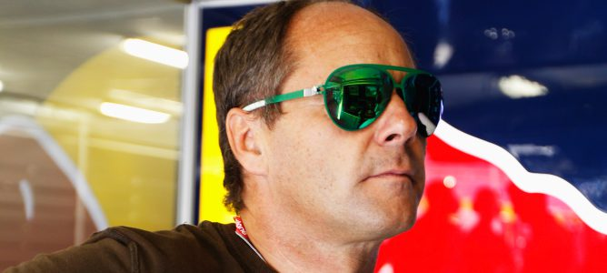 Gerhard Berger en el box de Red Bull