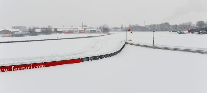 La nieve cancela el estreno en pista del nuevo Ferrari el viernes en Fiorano 002_small