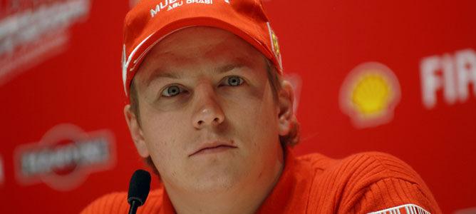 Kimi en su presentación con Ferrari