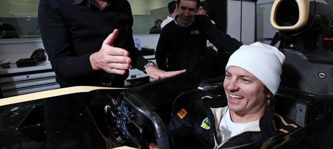 Raikkonen probando el volante del E20