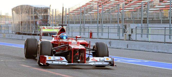 Fernando Alonso en el Ferrari en Barcelona