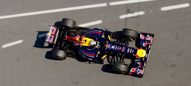escapes Red Bull RB8