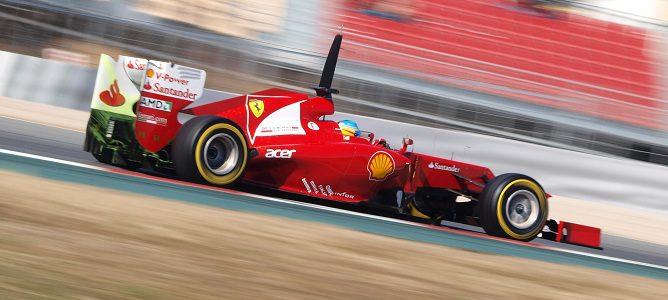 El F2012 rodando con parafina en el difusor