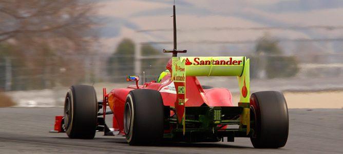 Fernando Alonso rodando con mucha parafina