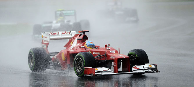 Un Ferrari sobre el asfalto de Sepang