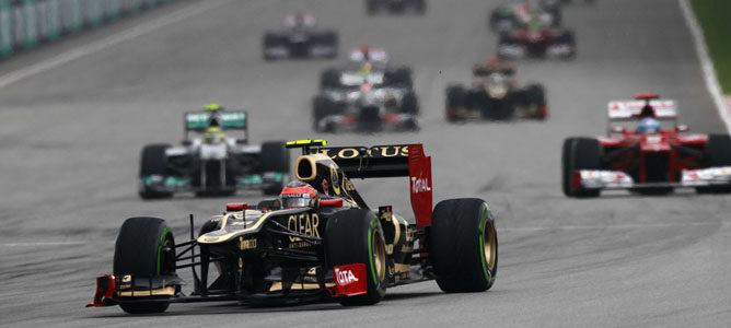 Un Lotus sobre el asfalto de Sepang