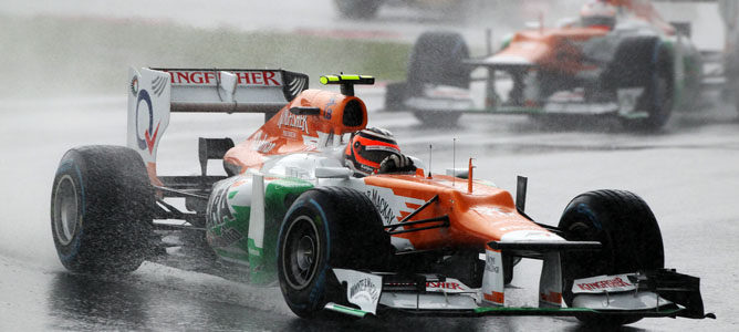 Un Force India sobre el asfalto de Sepang