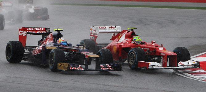 Un Toro Rosso sobre el asfalto de Sepang